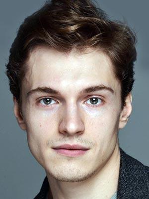 Максим Иванов (актер)