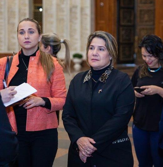 Лис Куеста Пераса жена Мигеля Диас-Канеля