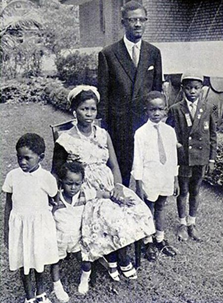 Патрис Лумумба с женой и детьми