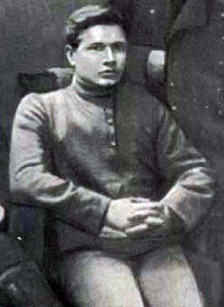 Александр Фадеев в юности