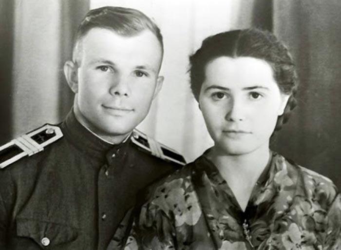 Валентина Гагарина и Юрий Гагарин