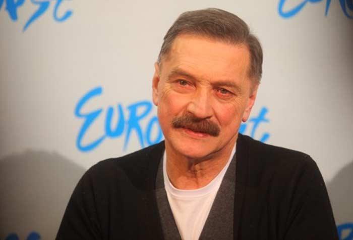 певец Александр Тиханович