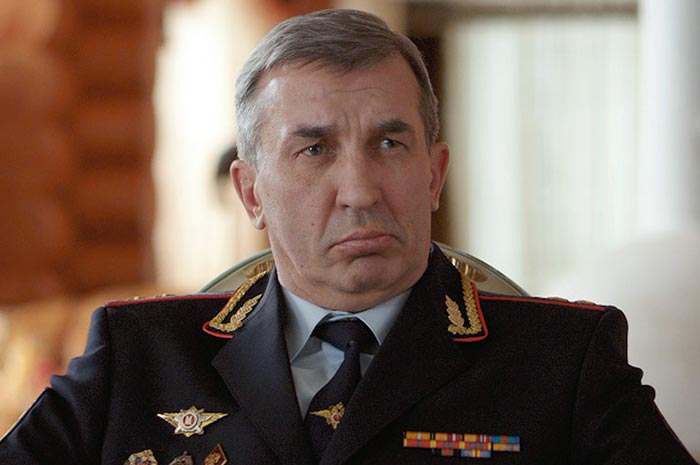 Александр Андриенко в фильме Притворщики