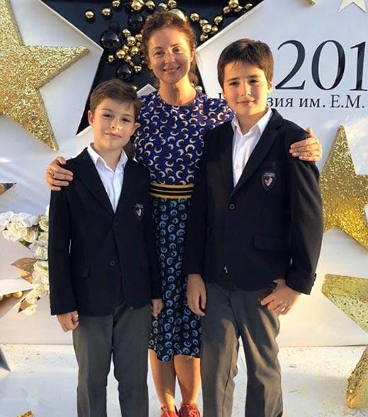 Александр Шаханов мать Анна Банщикова брат Михаил