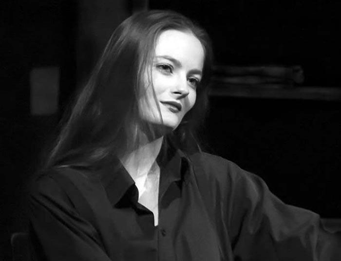 актриса Анастасия Шульженко