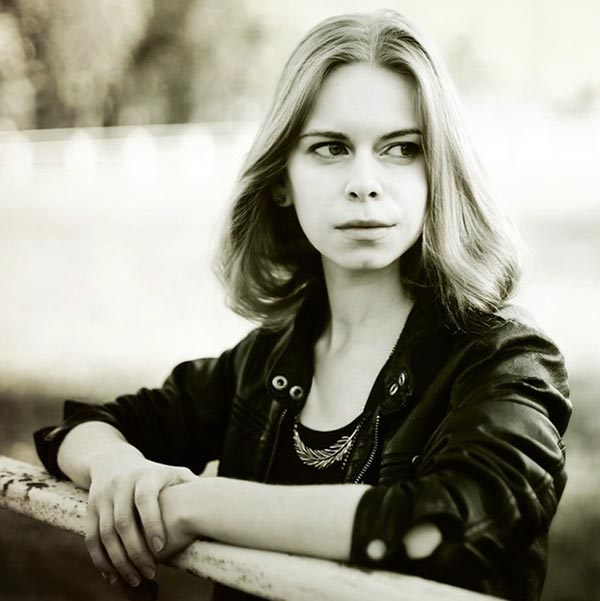 актриса Анастасия Зюркалова