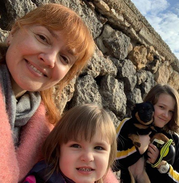 Анна Бутурлина с дочерьми