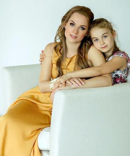 Анна Роскошная с дочерью