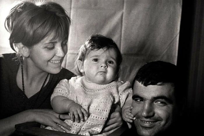 Дарья Шпаликова в детстве с родителями