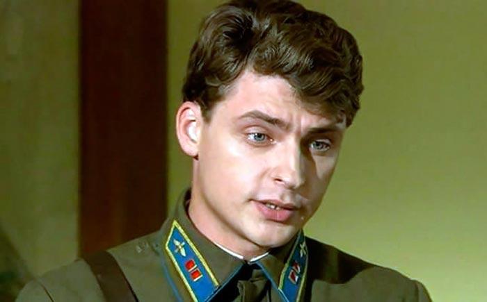 Дмитрий Жулин в сериале Александровский сад