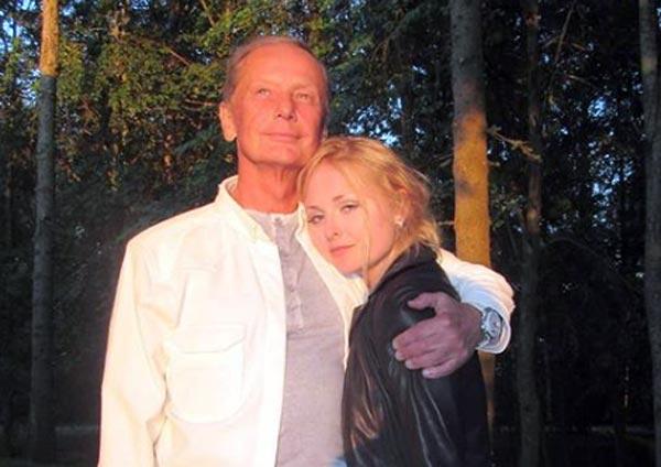 Елена Задорнова и отец Михаил Задорнов