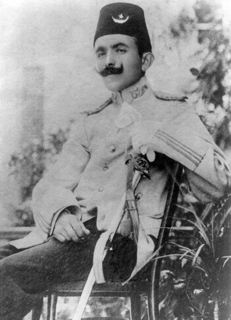 Энвер-паша в молодости