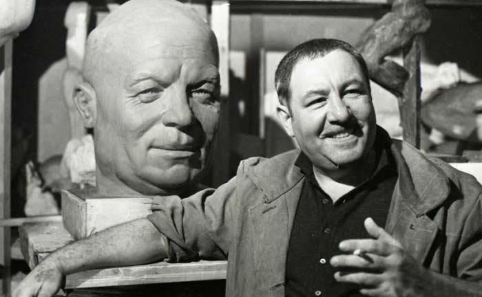 Советский скульптор Эрнст Неизвестный
