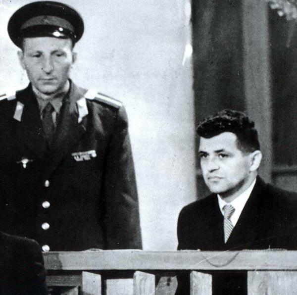 Фрэнсис Гэри Пауэрс во время суда