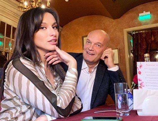 Кирилл Кикнадзе и жена Эльмира Эфендиева