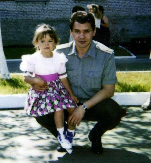 Ксения Шойгу в детстве с отцом