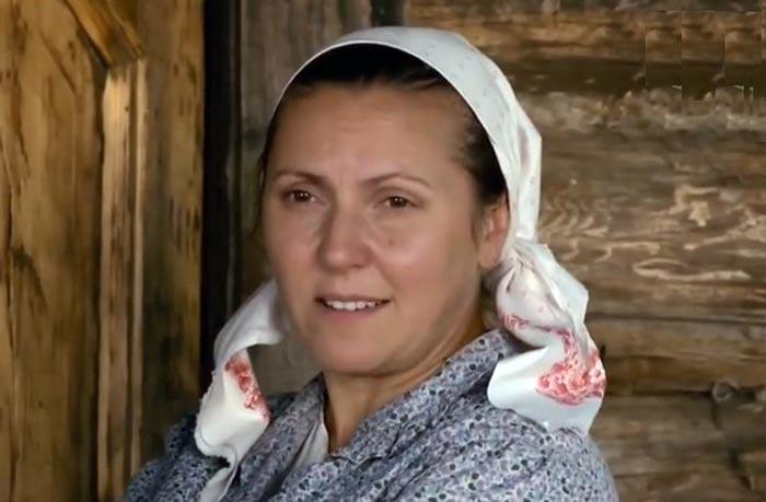Лариса Домаскина в сериале Две зимы и три лета