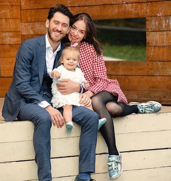 Лиза Климова и Дмитрий Чеботарев с дочерью
