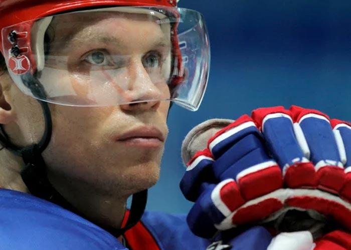 хоккеист Максим Афиногенов