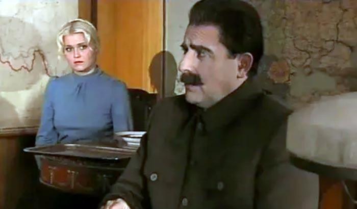 Наталья Соколова в роли Валентины Истоминой