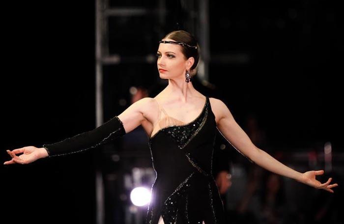 танцует балерина Нина Капцова