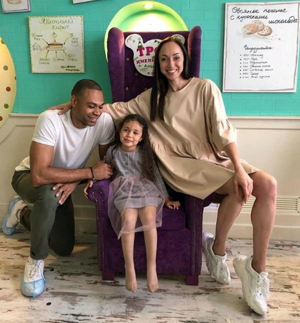 Ола Кейру с женой и дочерью