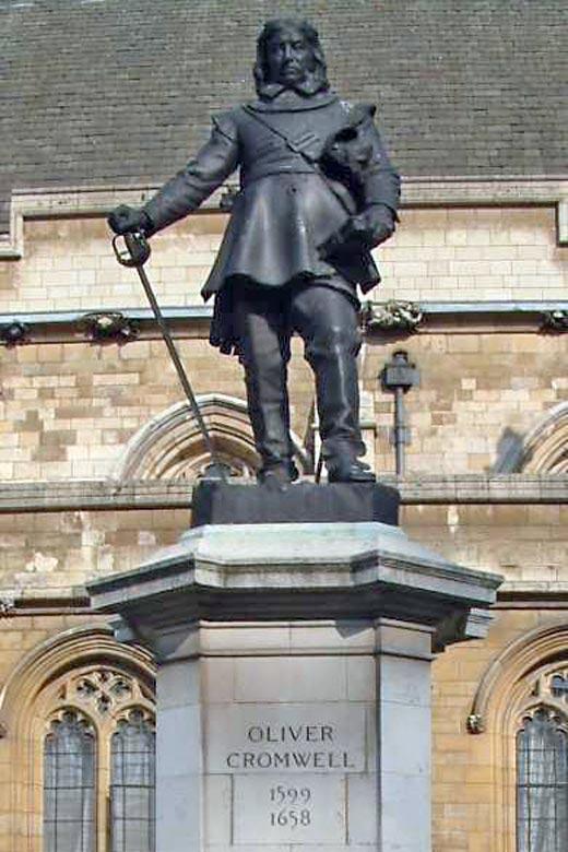 Памятник Оливеру Кромвелю у Вестминстерского дворца
