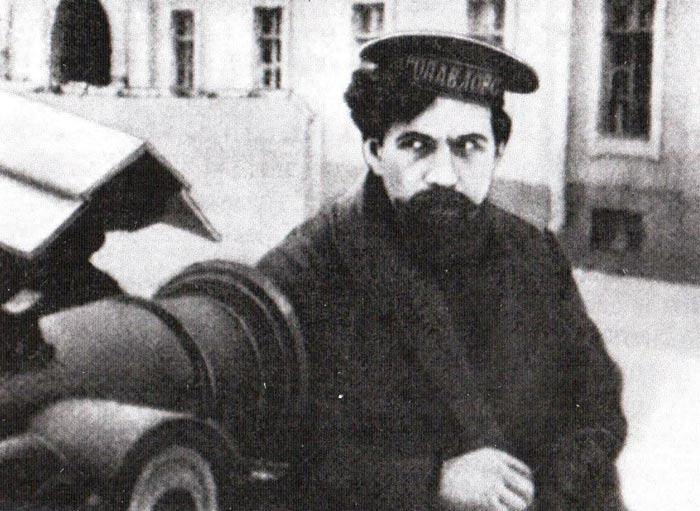 Павел Дыбенко в молодости