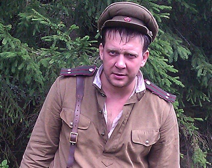 Павел Юлку в фильме Снайперы Любовь под прицелом