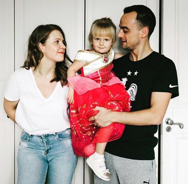 Павел Занозин с женой и дочерью