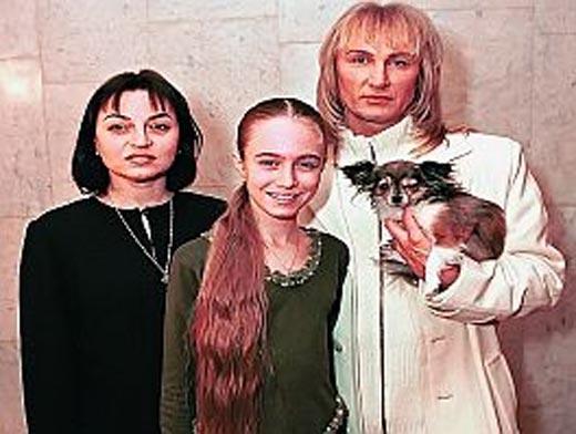 Александр Иванов с первой женой и дочерью