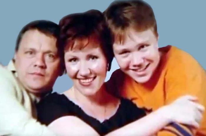Сергей Габриэлян младший в детстве с родителями