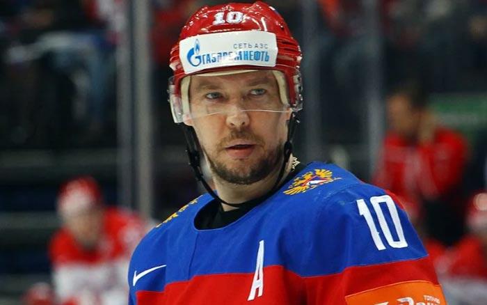 хоккеист Сергей Мозякин