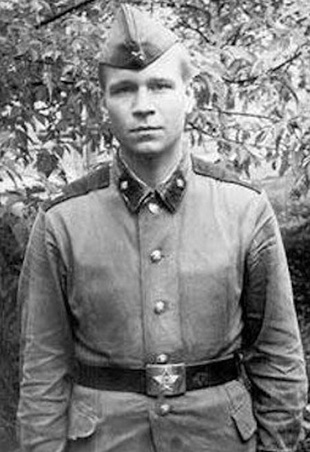 Валерий Кипелов во время службы в армии