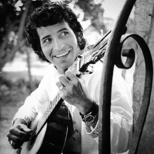 чилийский певец Виктор Хара