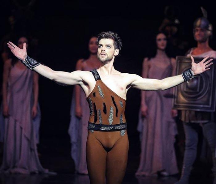 танцор балета Владимир Шкляров