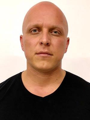 Владислав Манин
