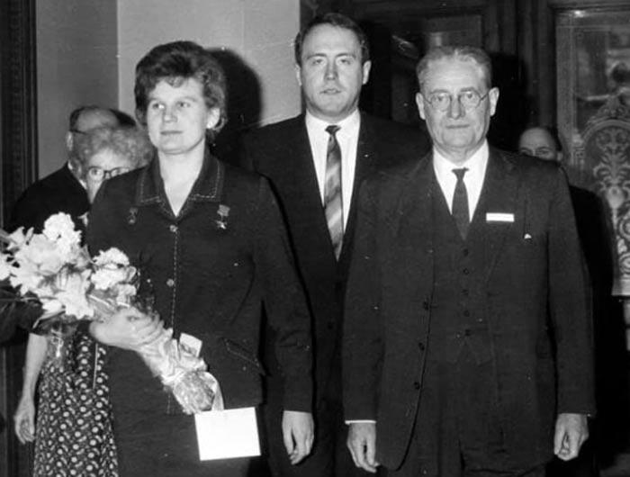 Михаил Любимов в молодости с Валентиной Терешковой