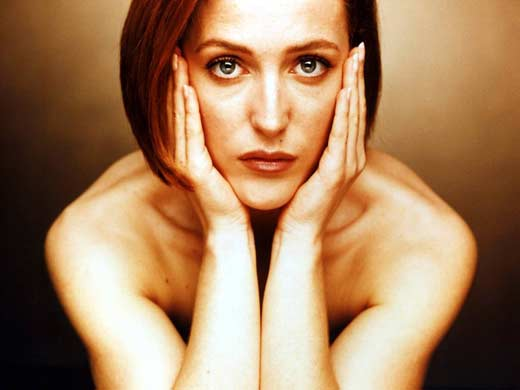 http://stuki-druki.com/facts1/images/Gillian-Anderson-01.jpg