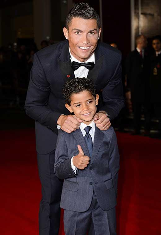 Криштиану Роналду с сыном 1