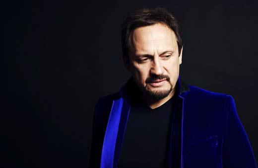 Стас Михайлов в синем пиджаке