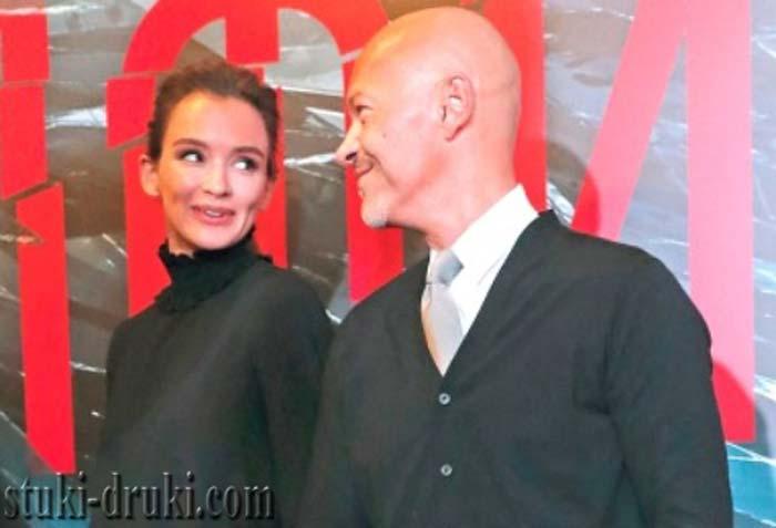 Федор Бондарчук и Паулина Андреева в чёрной одежде