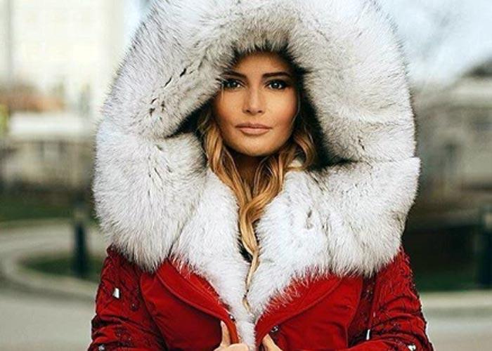 Дана Борисова в красной шубе