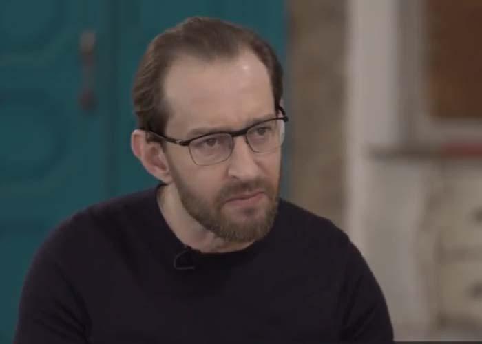 Константин Хабенский в чёрной кофте