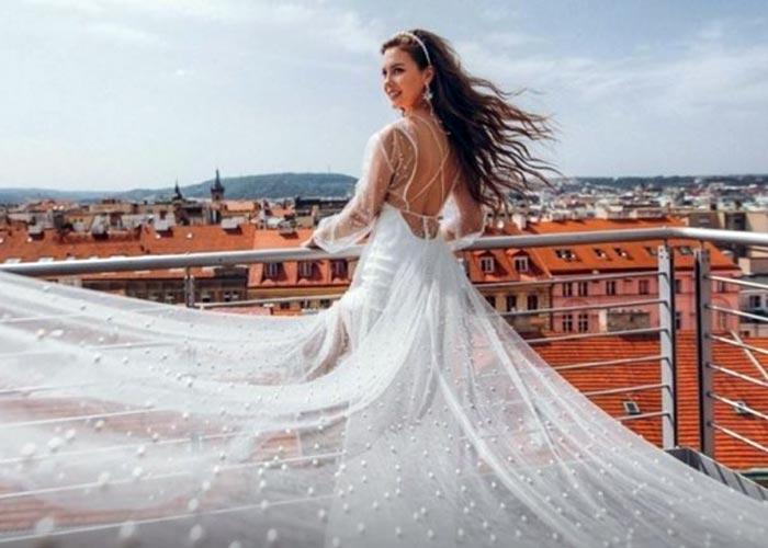 Анна Бузова в свадебном платье