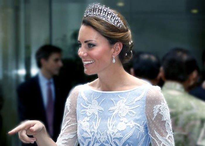 Кейт Миддлтон в короне